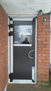 aluminija durvis